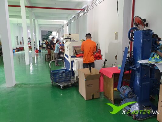 Xưởng giày đá bóng Thể Thao Việt