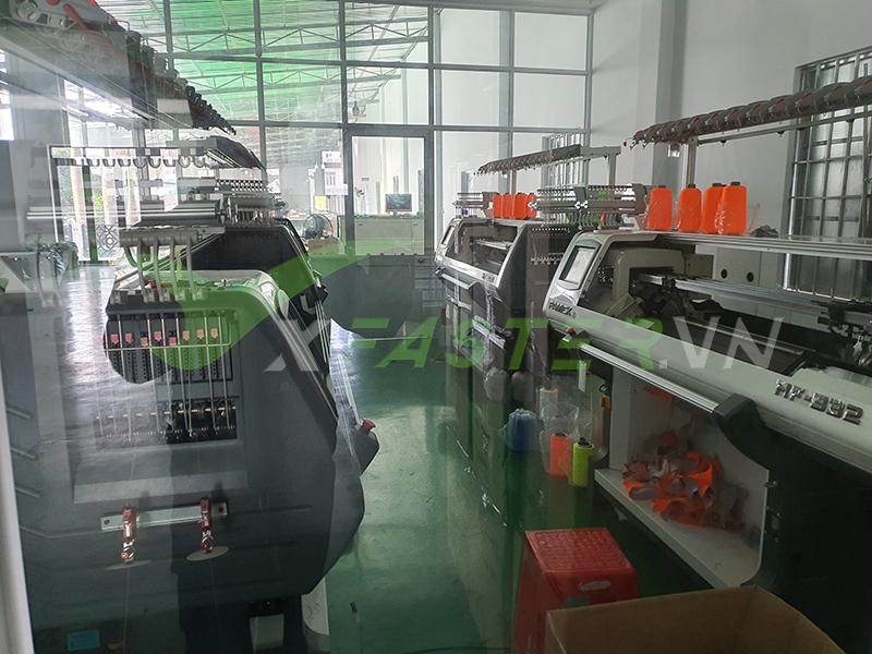 Xưởng giày đá bóng Thể Thao Việ